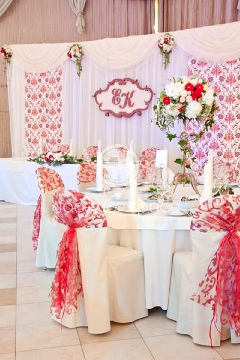 пресс волл на свадьбу с цветами