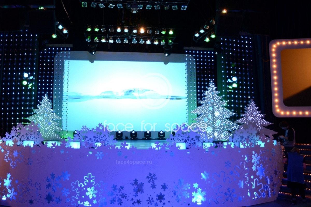 новогоднее оформление сцены, задник сцены для мероприятий заказать цена в спб